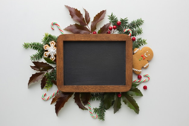 Marco festivo de navidad con maqueta Foto gratis