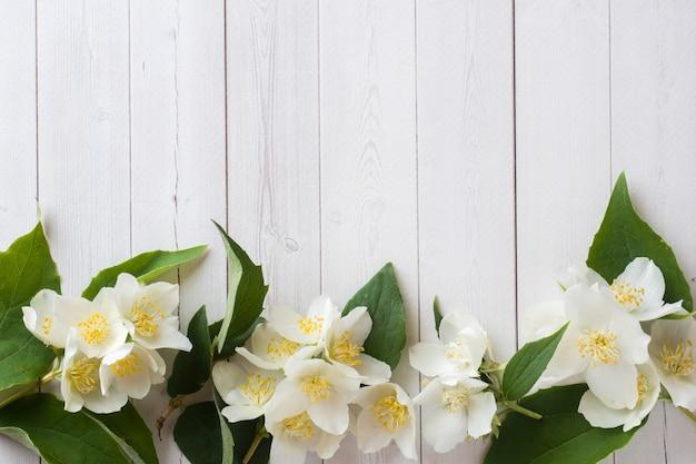 Marco de flores de jazmín Foto Premium
