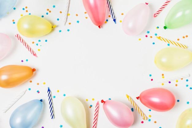 Marco de globos con espacio de copia Foto gratis