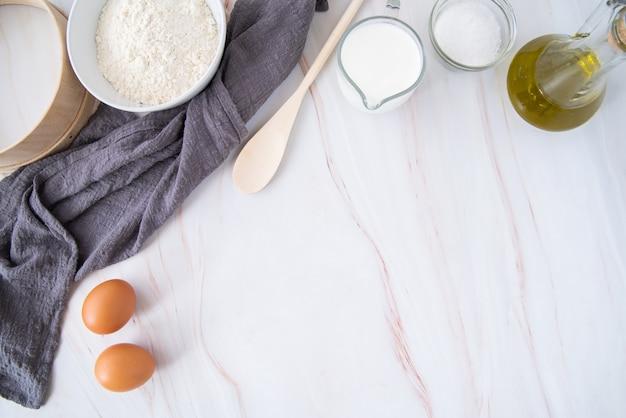Marco de ingredientes de pasta de vista superior Foto gratis