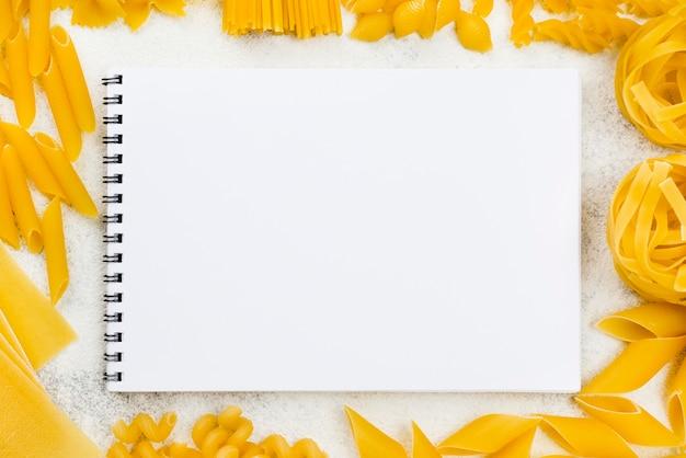 Marco de pasta italiana Foto gratis