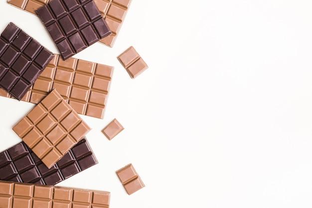 Marco plano de chocolate con espacio de copia. Foto gratis