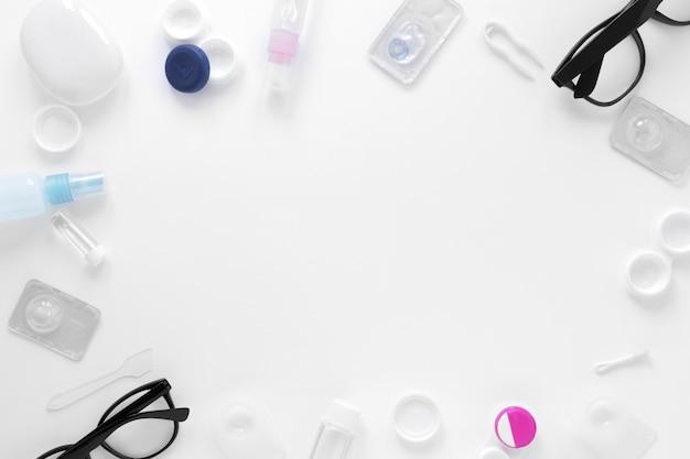 Marco de productos para el cuidado de los ojos con espacio de copia Foto gratis