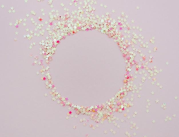 Marco redondo de confeti lindo estrellas Foto gratis