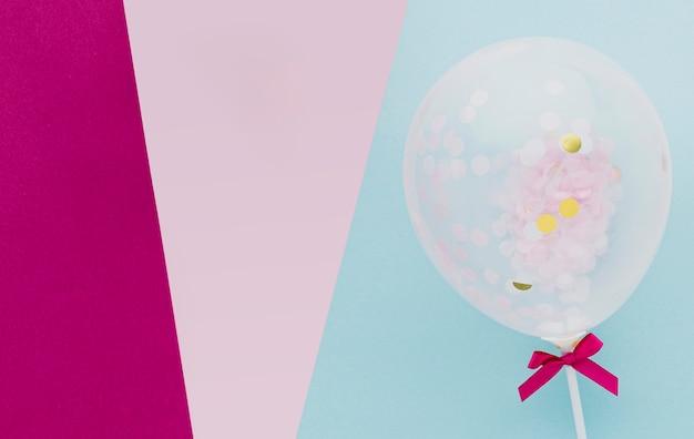 Marco de vista superior con globo y espacio de copia Foto gratis