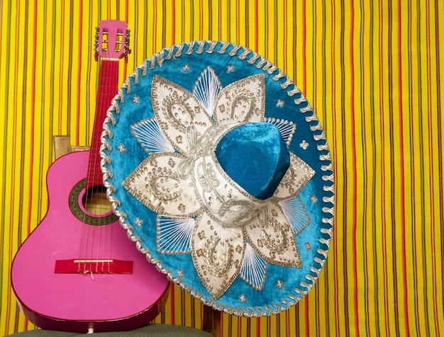 Mariachi bordado mexicano sombrero rosa guitarra Foto Premium