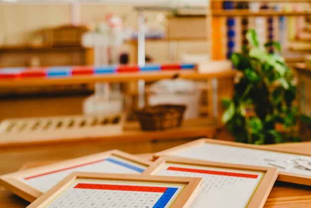 ded3a0928a25 Material de clase montessori para el aprendizaje de los niños en el área de  las matemáticas. | Descargar Fotos premium