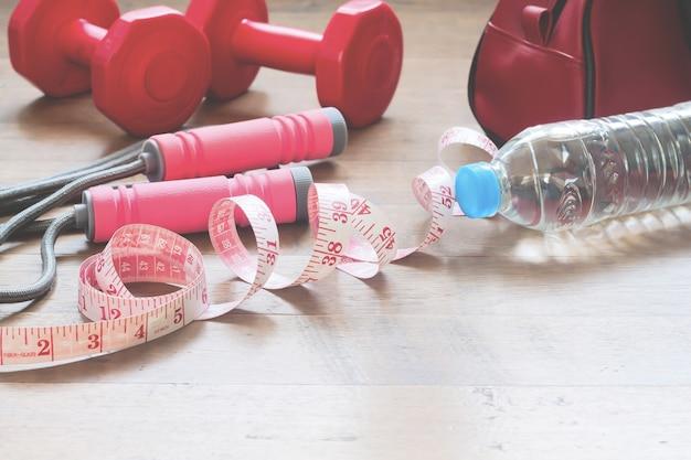 6498554e Medición de la cinta y equipos deportivos para la belleza mujer ...