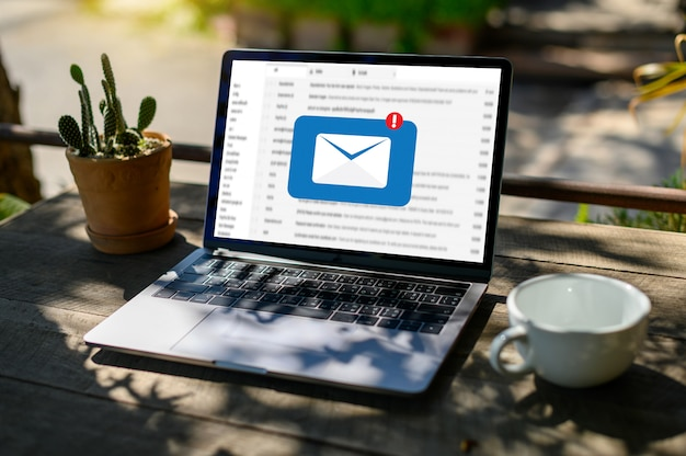Mensaje de conexión de comunicación de correo Foto Premium