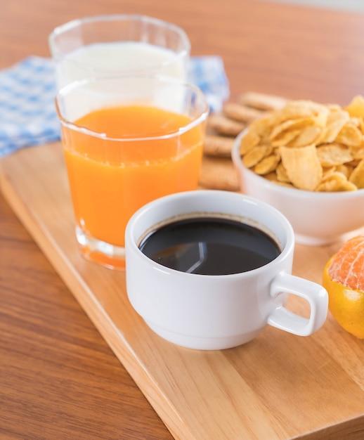 Mesa de desayuno descargar fotos gratis for Mesa desayuno