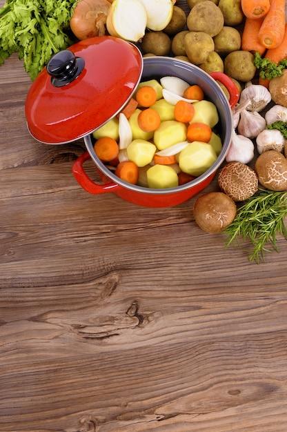 Mesa de madera con comida descargar fotos gratis for Mesas para negocio comidas rapidas