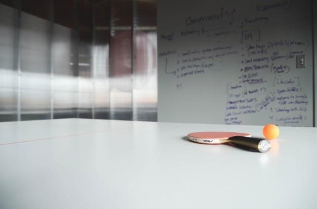 Mesa de Ping Pong en la oficina Foto Gratis