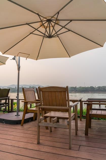 mesas y sillas al aire libre descargar fotos gratis