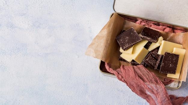 Mezcla de diferentes tabletas de chocolate Foto gratis