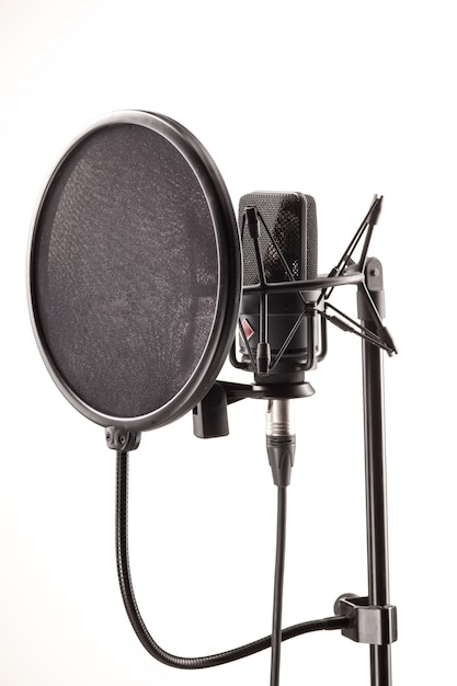 Micrófono en estación de radiodifusión Foto gratis
