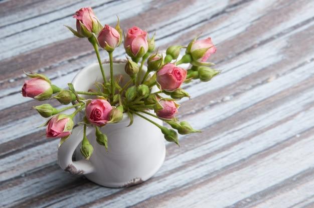 Mini rosas rosadas Foto Premium