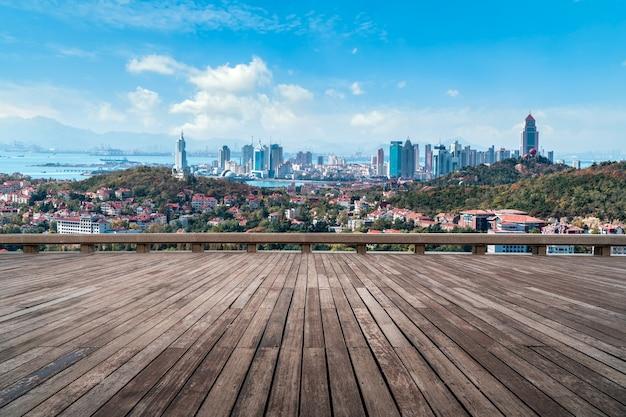 Mirador del malecón y vista a la ciudad Foto Premium