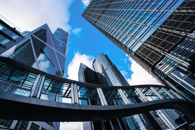Moderno centro de negocios en hongkong. rascacielos en área comercial en hongkong. Foto Premium