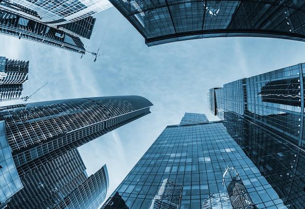 Modernos rascacielos de cristal Foto Premium