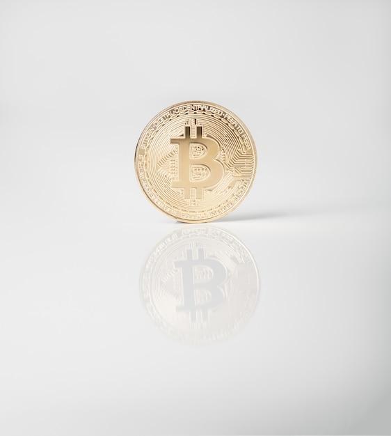 Moneda criptográfica. moneda de oro bitcoin Foto Premium