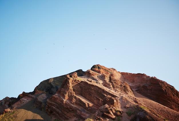Montaña rocosa roja Foto gratis