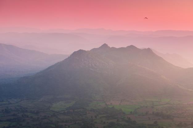 Montañas aravalli, udaipur Foto Premium