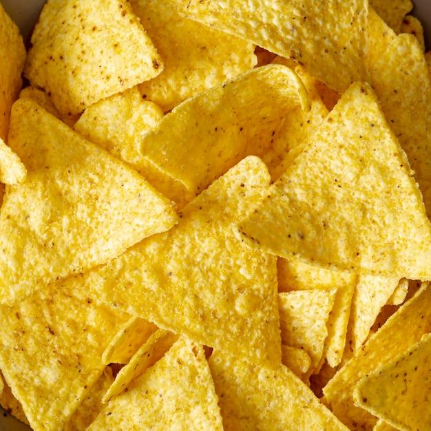 Montón de nachos salados Foto gratis