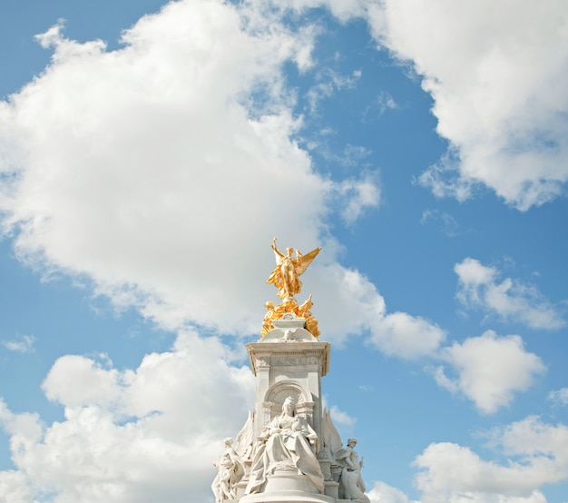 Monumento a la reina victoria Foto Premium