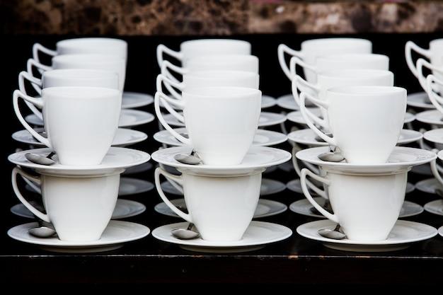 Resultado de imagen para muchas tazas de café