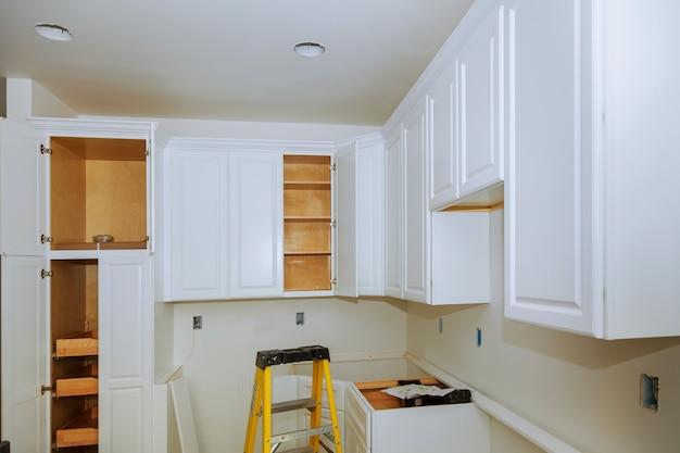 Muebles de cocina a medida de base de instalación para isla ...