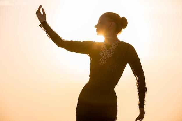 gratis mujer bailando