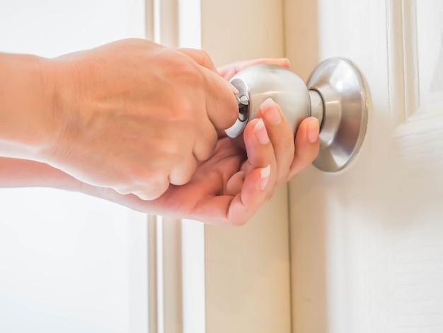 cerradura con llave redonda
