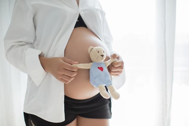 Mujer embarazada Foto gratis