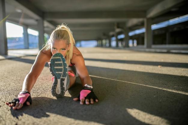 Mujer joven deportiva.