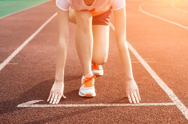 Mujer preparada para correr Foto Gratis