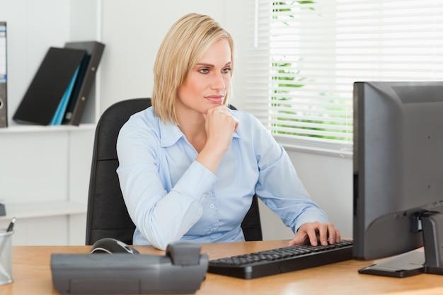cuidar la vista al trabajar desde casa