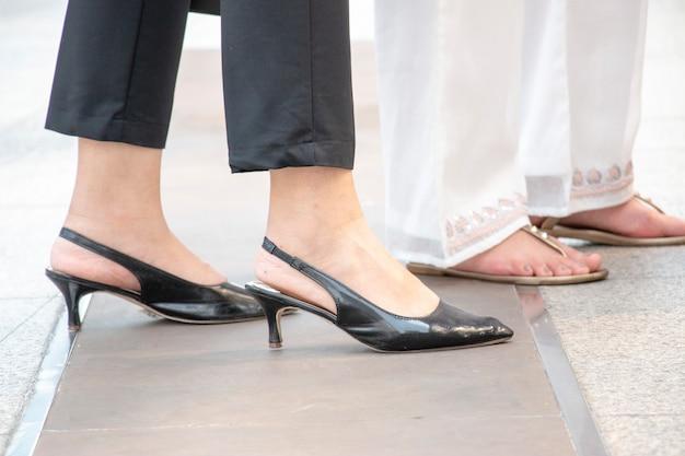 Negros Zapatos Con Mujer Premium La NegroDescargar Pantalón Fotos Usa 7gyfb6