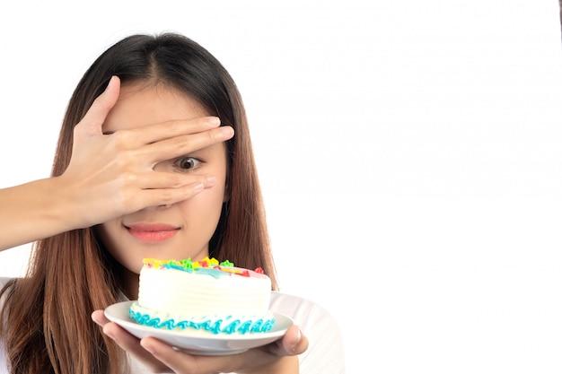 Mujeres que están en contra de las tortas aisladas sobre fondo blanco. Foto gratis