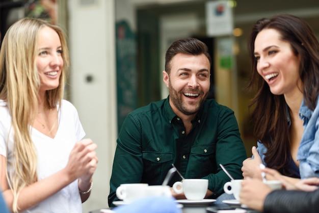 intercambios de idiomas presenciales en Madrid y Barcelona