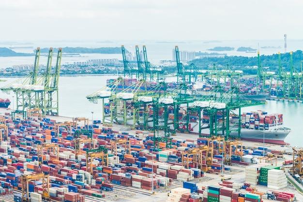 Nave industrial de exportación de logística comercial Foto gratis