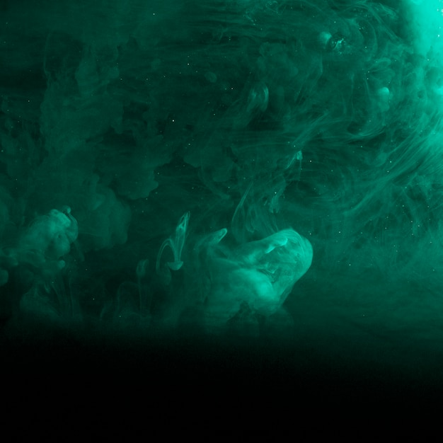 Neblina azul abstracta en la oscuridad Foto gratis