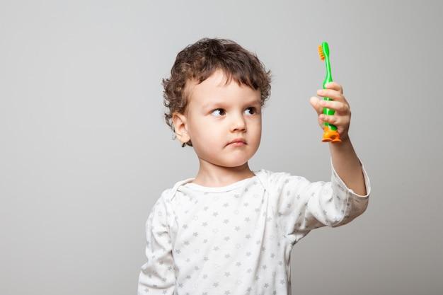 cepillado de dientes niños