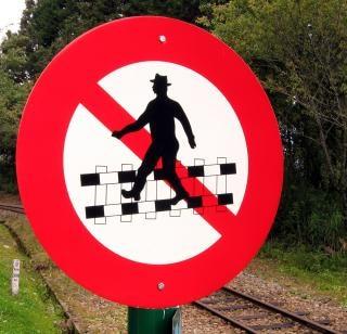 No vías férreas cruz! Foto gratis