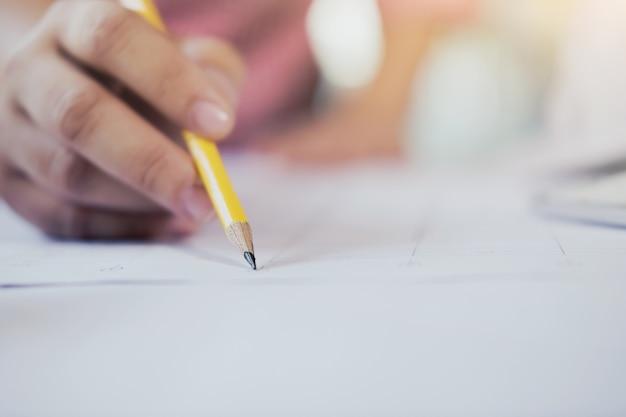 Nota de escritura, concepto de negocio y educación. Foto gratis