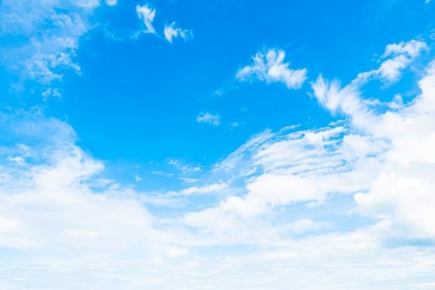 Fotos E Imagenes Cielo Azul Con Nubes: Nube Blanca En El Cielo Azul