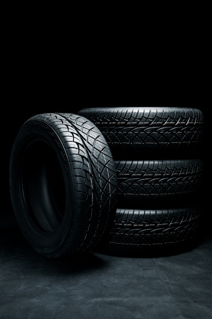 Nuevas llantas. neumáticos de automóvil de cerca Foto Premium