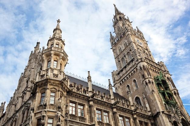 Nuevo ayuntamiento en marienplatz munich Foto Premium