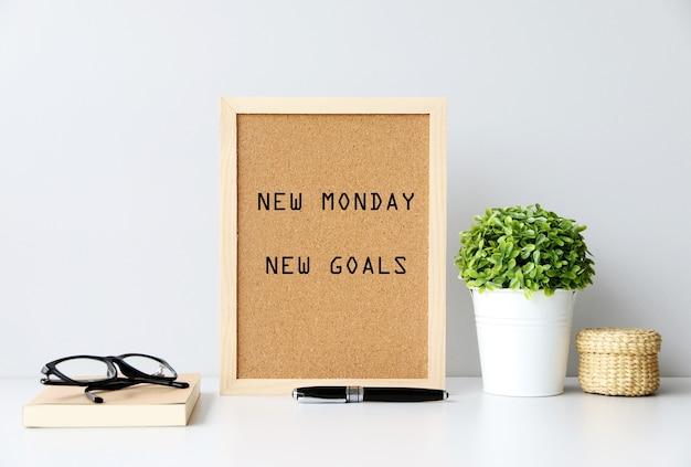 Nuevo lunes objetivos nuevos concepto Foto Premium
