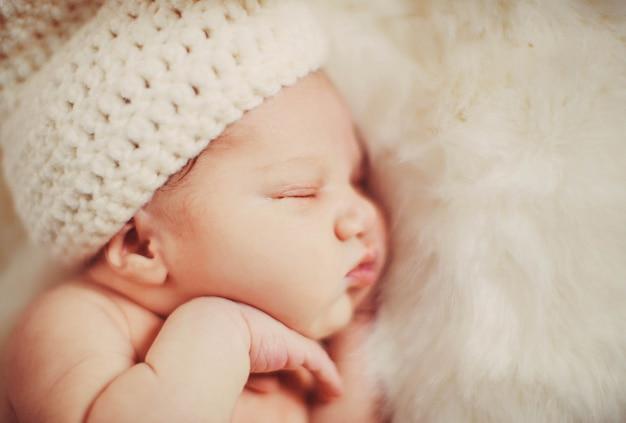 Nurseling de piel preciosa manta pequeña Foto gratis