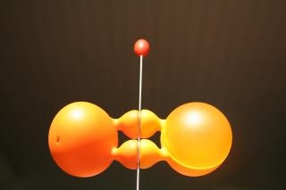 objetos de color naranja